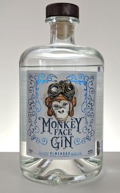 Almendra Winery and Distillery launched Monkey Face Gin in late Their gin is distilled from grain in a traditional copper pot still. Furthermore, it features locally grown California almonds. Alcohol Bottles, Wine Bottle Labels, Liquor Bottles, Best Gin Cocktails, Gin Cocktail Recipes, Whisky, London Gin, Gin Distillery, Gin Tasting