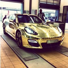 Porsche Panamera Turbo S | Gold Exclusive..
