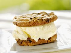 No dairy? No problem. This faux-dairy ice cream sandwich is a better-for-your-belly treat!