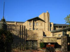 Arizona Biltmore, Frank Lloyd Wright, Mount Rushmore, Facade, Mansions, Architecture, House Styles, Hotels, Google Search