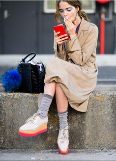 smoko. #AlinaZolotykh & her Fendi fuzz ball & Stella McCartneys #offduty in Sydney.