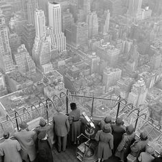 The Empire State Building observation deck on the 86th floor. New York City, 1950. © George Rodger / Magnum Photos