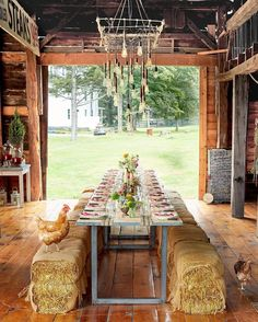 Dreaming of summer dinner parties in this gorgeous barn lounge—chickens and all!💭#CLdecor #countrystyle #weddings #homedecor (📷: @davidtsay)