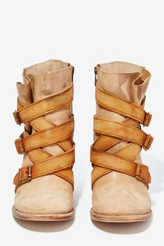 Leather boots in two shades of tan