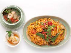 《 駒場 》『タイ料理研究所』が開発した、激辛トムヤム焼きビーフンとは