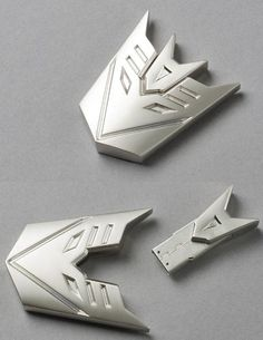 Transformer Decepticon Metal USB Flash Drive. This. is. awesome. I need a new flash drive... #geek #tech