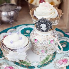A detailed shot of these tasty & beautiful #cupcakes made by @ellatini_confections | China @sugarbakerandtoad | #nunezweddings #china #vintage #delicious #weddings #events #owlcreekweddings #teacups #teaset #dessert #weddingplanner #lifeisgood #beauty #cupcakes