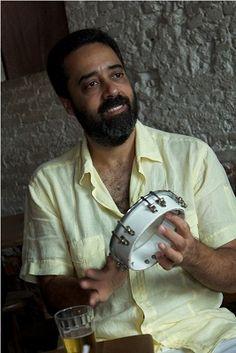 """Expressão musical com DNA negro, o samba """"leva o barco devagar"""", como diz a letra da música Argumento de Paulinho da Viola. Luiz Grande na profética A Força do Samba lembra que """"o samba está sempre..."""