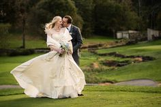 Stoneleigh Golf and Country Club in Virginia is perfect for fall weddings! The sunset is perfect in the fall and there are tons of beautiful spots to shoot in.