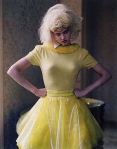 Without exaggeration Lindsey Wixson is all dolled up in this Tim Walker for Vogue Italia January 2012 editorial 'Like a Doll'. Jacob K styles Lindsey in sugar spun parfait sweets perfect for girl play. /Hair by Shon and makeup by Sam Bryant. Lindsey Wixson, Foto Fashion, High Fashion, Fashion Mag, Quirky Fashion, Young Fashion, Modern Fashion, Vintage Fashion, Vogue