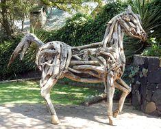 Escultura Nombre: Canaíma Técnica: Driftwood Formato: 2.48 x 3.30 m Autor: Carlos Fuentes Montañés Driftwood, Lion Sculpture, Instagram, Fair Grounds, Statue, Travel, Sculpture, Author, Artists