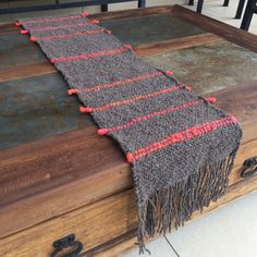 CAMINOS DE MESA Tapestry Weaving, Loom Weaving, Hand Weaving, Loom Knitting, Baby Knitting, Peg Loom, Weaving Projects, Sewing Art, Boho Diy