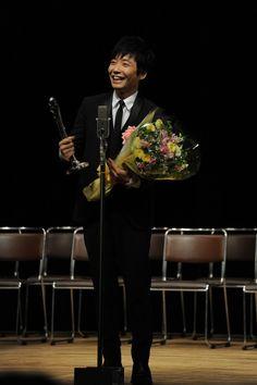 星野源、ヨコハマ映画祭で新人賞「うれしいっすねえ!」 - 音楽ナタリー