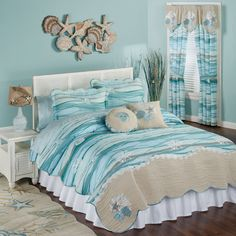 Make your bedroom a relaxing getaway with a beach themed bedroom. There are so many different decorating ideas when it comes to making the perfect beach theme for your bedroom. The key to decorating your bedroom in any kind of… Continue Reading → Coastal Quilts, Coastal Bedding, Luxury Bedding, Ocean Bedroom, Teenage Beach Bedroom, Beach Bedroom Decor, Wood Bedroom, Trendy Bedroom, Deco Marine