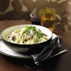 Creamy mushroom and lemon spaghetti recipe. This creamy dish of mushrooms, light cheese, lemon and parsley is so refreshing - and is ideal for vegetarians. Lemon Spaghetti, Lemon Pasta, Spaghetti Recipes, Creamy Mushroom Pasta, Creamy Mushrooms, Stuffed Mushrooms, White Mushrooms, Herb Pasta Recipe, Creamy Pasta Recipes