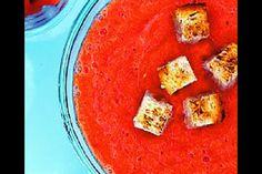 Gazpacho   Apetitonline.cz Birthday Lunch, Summer Birthday, Raw Food Recipes, Soup Recipes, Ladies Luncheon, Gazpacho, Stuffed Green Peppers, Cornbread, Thai Red Curry