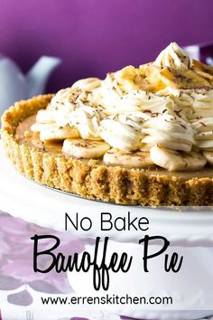 This easy No Bake Banoffee Pie is the best of desserts! With its buttery base, layer of caramel, topped with bananas and whipped cream. You'll be serving this traditional pudding all year round! Gluten Free Desserts, Easy Desserts, Delicious Desserts, Tart Recipes, Sweet Recipes, Banana Recipes, Pudding Recipes, Recipes, Desserts