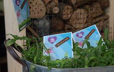 ich kauf im Wald  Frühjahrsimpuls  Bienenweiden-Blumensamen  #ikiw, #bregenzerwald, #mprove, #bienenweiden, #handel Employer Branding, Plants, Organization Development, Wicker, Communication, Things To Do, Plant, Planets