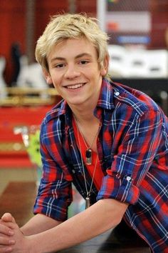 Ross, don't take this the wrong way but you look the one of the Smurfs characters! Just saying but I still love ya doll ! #RossLynch