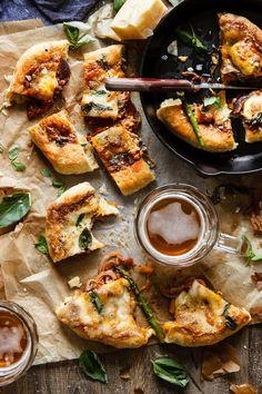 Pizza Montanara {pizza frita} con calabaza y cebolla morada