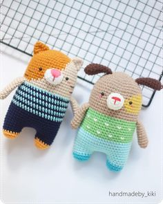 We are so happy together . Pattern by @bigbebez . by me . #bigbebez #handmadewithlove #crochet #amigurumi#yarnlove#yarn#diy#cat#puppy #