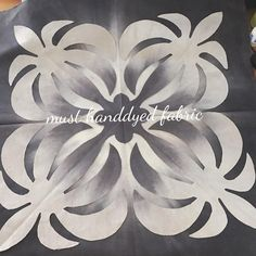 いいね!82件、コメント4件 ― must_handdyed_fabricさん(@must_hawaiianquilt)のInstagramアカウント: 「 . . 희숙씨@hsook72 가 작년에 부탁해서 가져간 염색원단! 멋있게 완성해 주세요~♡ . . #must_handdyed_fabric #mustfabric…」
