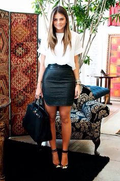 Leather skirt via Thassia Naves