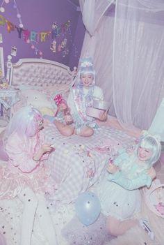Lolita dolls having a sleep over. Beautiful kawaii room!!