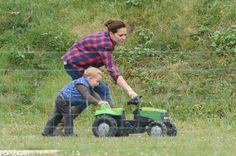 Kate Middleton and Prince George at the Park 2015 Pictures   POPSUGAR Celebrity