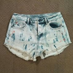 """NWOT High Waist Cut Off Paint Splatter Denim Short Delia's Bradley shorts - light bleached denim? Distressed and destroyed - has white, blue, and pink paint splatters all over - this is factory done!? High waist, raw hem, 5-pocket design? Size 9? Measurements approx. 14"""" waist laying flat and 2.5"""" inseam? Never worn.?Excellent condition.?Smoke-free home. No trades. Delia's  Shorts Jean Shorts"""