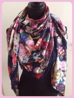 Satijnen sjaal bloemen blauw