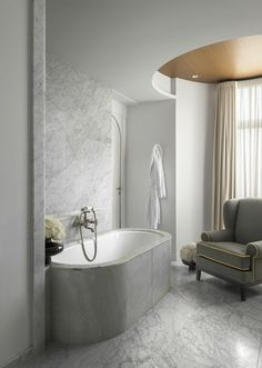 Stylish bathroom in white marble - Hotel Royal Evian: