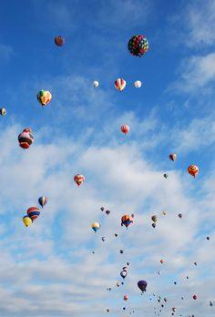 Albuquerque Hot Air Ballon Fiesta- Love this picture, so colorful!
