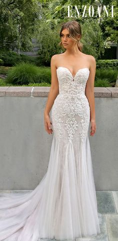 Hottest Wedding Dresses Collections for ★ best wedding dresses sheath sweetheart neckline strapless lace enzoani Strapless Lace Wedding Dress, Wedding Dress Necklines, Lace Wedding Dress With Sleeves, Sweetheart Wedding Dress, Lace Mermaid Wedding Dress, Mermaid Dresses, Mermaid Sweetheart, Mermaid Gown, Strapless Sweetheart Neckline