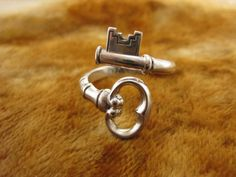 Size 8 1/4  Vintage Sterling Silver Avon by Worldwideoddities, $60.00