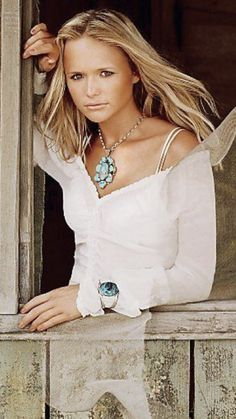 Miranda Lambert Beautiful Celebrities, Beautiful People, Miranda Lambert Photos, Country Female Singers, Country Girls, Country Music, Country Girl Problems, Redneck Girl, Lady Antebellum