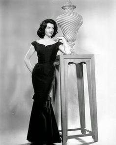 Vintage Glamour Girls: Elizabeth Allen