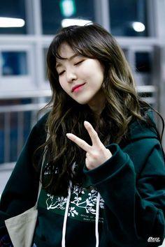 Wendy so cute Seulgi, Neo Soul, South Korean Girls, Korean Girl Groups, My Girl, Cool Girl, Wendy Red Velvet, Korea Fashion, Girl Crushes