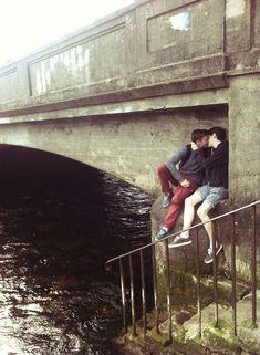 100 Photos of 'Two Men Kissing' That Every Homophobe Needs to See Lgbt Couples, Cute Gay Couples, Boys Like, Cute Boys, Gay Mignon, Gay Lindo, Pont Paris, Tumblr Gay, Men Kissing