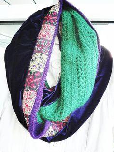 Violet Velvet Crocheted Neck warmer and Gloves 'Green Oriental Touch' Crochet Arm Warmers, Crochet Neck Warmer, Crochet Gloves, Crochet Winter, Alpaca Wool, Fingerless Gloves, Hand Sewing, Velvet, Touch