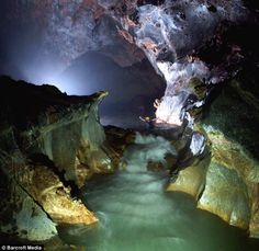 top ten caves of the world | ... ac/20110104/us_ac/7528736_worlds_longest_cave_passage_found_in_vietnam