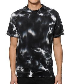 Update your outfits with a unique design with short raglan sleeves and an all over black and white tie dye design for eye-catching style.