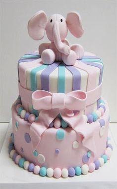 Tarta con elefante rosa #cumpleanos #feliz_cumpleanos #felicidades #happy_birthday #tarta_cumpleanos #pastel_cumpleanos #birthday_cake