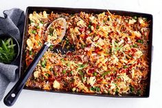 Healthier one-pan baked fried rice: Better-for-you fried rice cooked in the one pan in the oven – it's a midweek meal miracle! Best Rice Recipe, Rice Recipes, Cooking Recipes, Cooking Rice, Slow Cooking, Meal Recipes, Healthy Cooking, Healthy Meals For Kids, Healthy Dinner Recipes