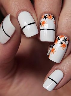 The orange flowers will instantly bring life to the design. And sometimes going this kind of simple is enough to enchant everyone.