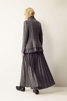 Yohji Yamamoto +Noir - Womens AW2011 - StyleZeitgeist