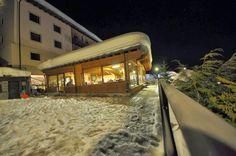 lounge bar esterno notte
