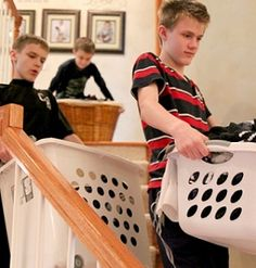 Does your teenager help around the house? #Blog #MLPTIPS If so what do they do? http://www.mylifepack.co.uk/11-ideas-for-teenage-chores-around-the-house/