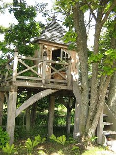 This would make an awesome secret hideout :)