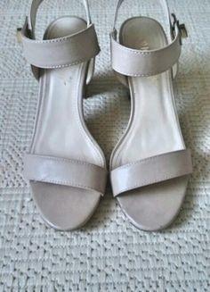 Kup mój przedmiot na #vintedpl http://www.vinted.pl/damskie-obuwie/sandaly/10405604-sandaly-na-slupku-38-ccc